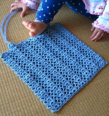 太糸レース編みのぺたんこバッグ