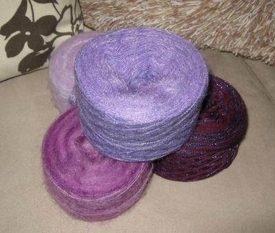 紫系モヘア糸