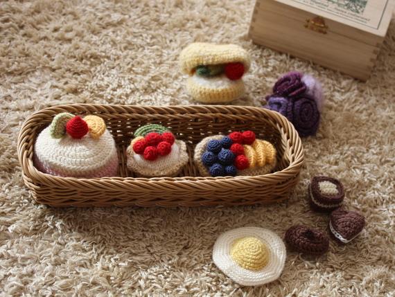 毛糸のケーキやチョコ